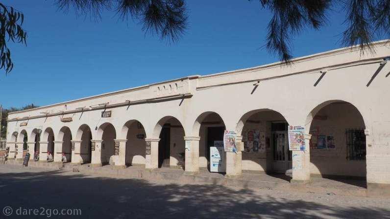 RN40: older style arcade in San Carlos at the main plaza