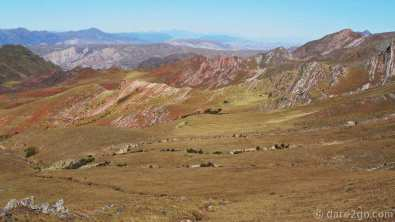 Beautifully coloured mountains in the Parque Nacional Los Cardones