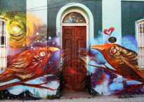 Valparaiso StreetArt: two love birds.