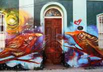 Valparaiso StreetArt: two love birds.