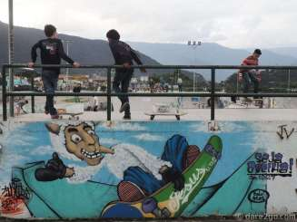 Almost every larger town in Brazil has a skate park, like here in Ubatuba. They are usually well designed, with lots of different ramps and elevations, and well frequented.