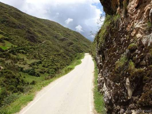 So tell me, how can you pass an oncoming vehicle on this narrow road?