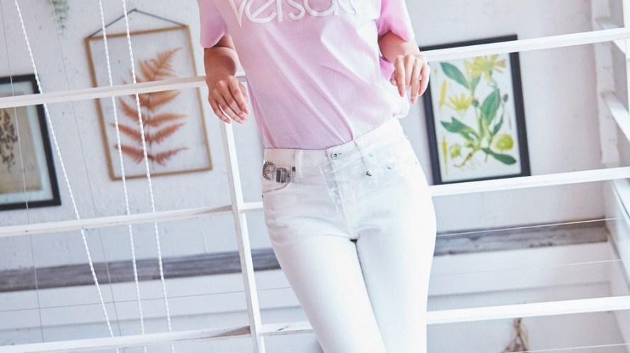【今日のコーデ】大人のTシャツコーデ。「ヴェルサーチ」が気になる!