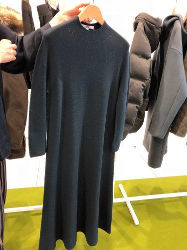 ユニクロ2018秋冬展示会!秋イチに欲しい美スタイルなニットワンピが神がかってる!
