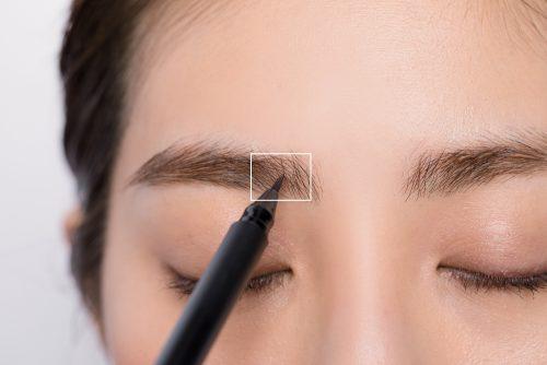 【眉の描き方決定版】抜く・剃る・描き足す!たった3つのポイントで垢抜ける方法