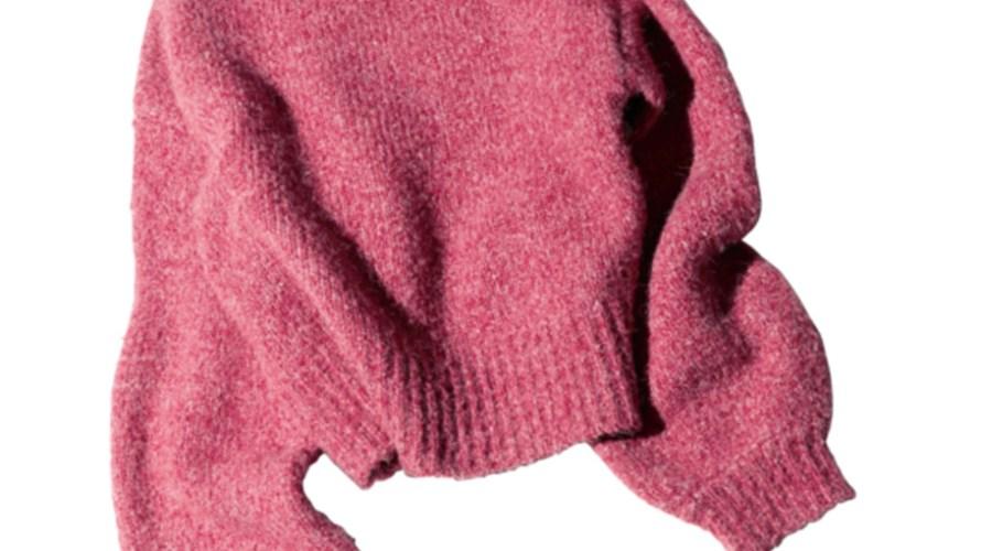 【明日なに着る?】冬色コーデにしっくり!大人めピンクの短丈ニットで旬バランスに