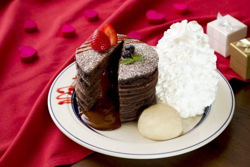 濃厚チョコレートがトロリ…♡ エッグスシングスの限定パンケーキ