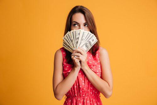 【女子の本音】結婚相手に求める、年収&貯金額は…超現実的!