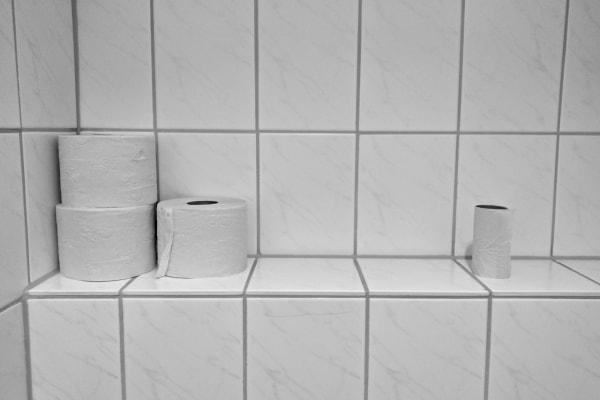 デート中、女子がトイレで「こっそりやっていること」