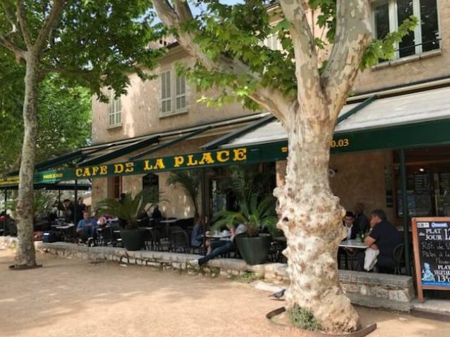 Saint Paul de Vence Cafe de la Place e1525799899768 - Photo Diary | Citytrip naar Nice #1