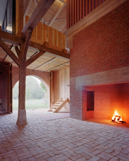 German-barn-conversion_Thomas-Kroger_dezeen_468_10