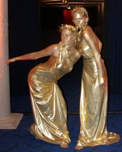Живые статуи - Весталки