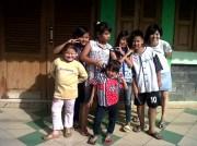 Aku bersama anak-anak Kelompok 2