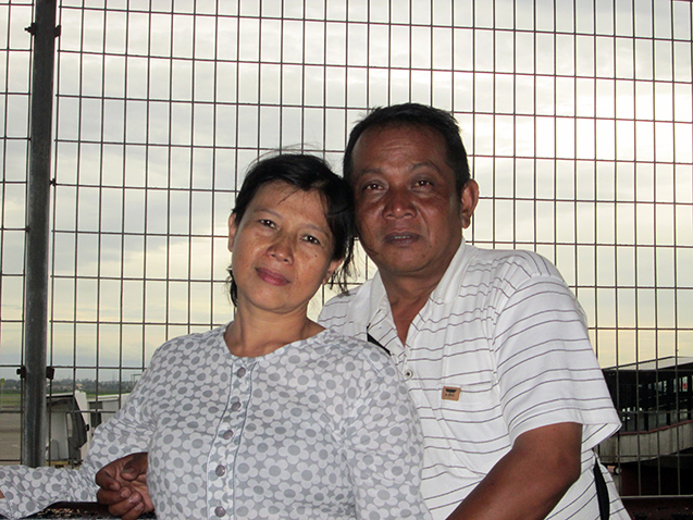Ibu dan Ayah.