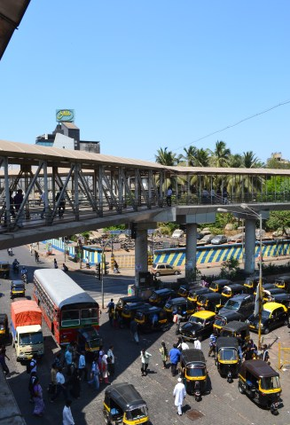 view of road from Bandra skywalk