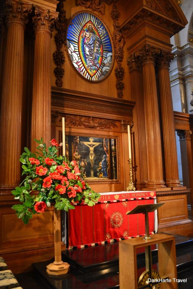 Altar St Bride's