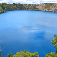 Mount Gambier: sinkholes and crater lakes in South Australia