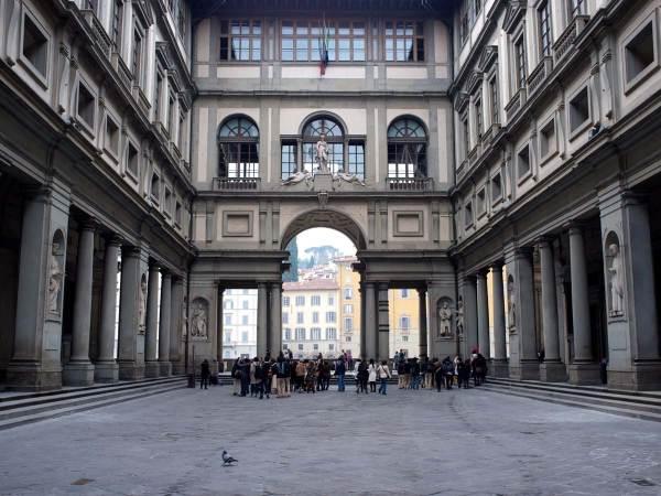 Uffizi Private Tours Dark Rome