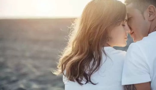 焦らすキスで女性をメロメロにさせちゃおう!最上級のキス習得講座