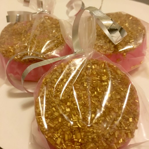 Gourmet dipped oreos come wrapped (standard design)