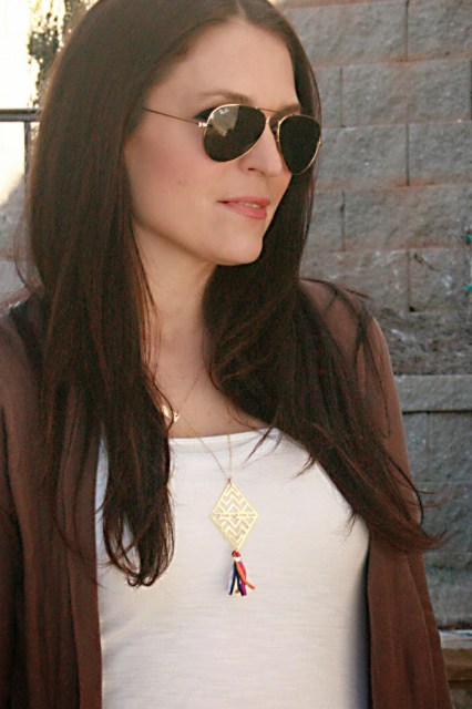 ray-ban sunglasses james perse t-shirt chevron necklace darleen meier jewelry