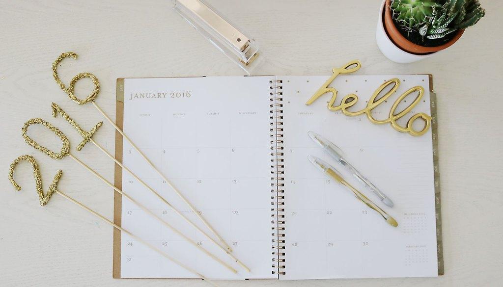 2016-desk-calendar-feature illustrated