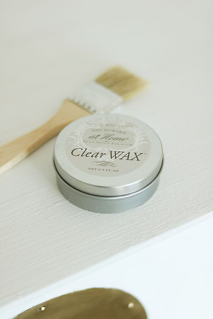 amy-howard-clear-wax-with-one-step-paint