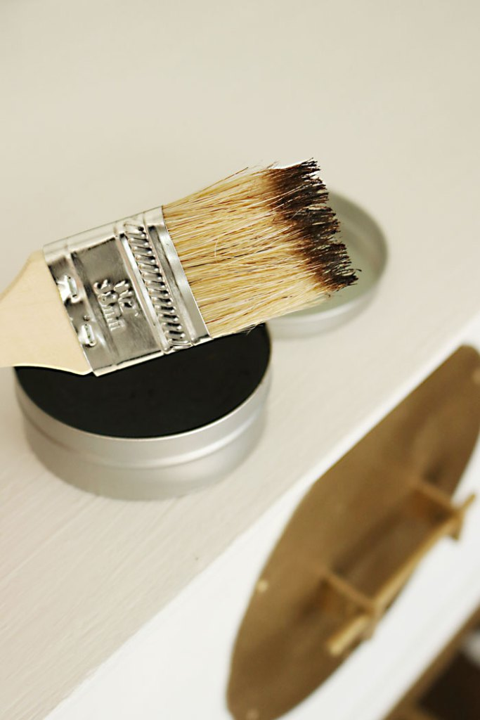 amy-howard-dark-antique-wax-on-brush
