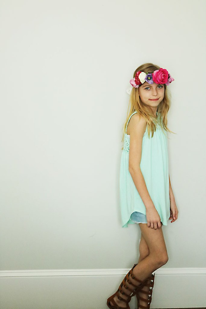 DIY-flower-crown-child
