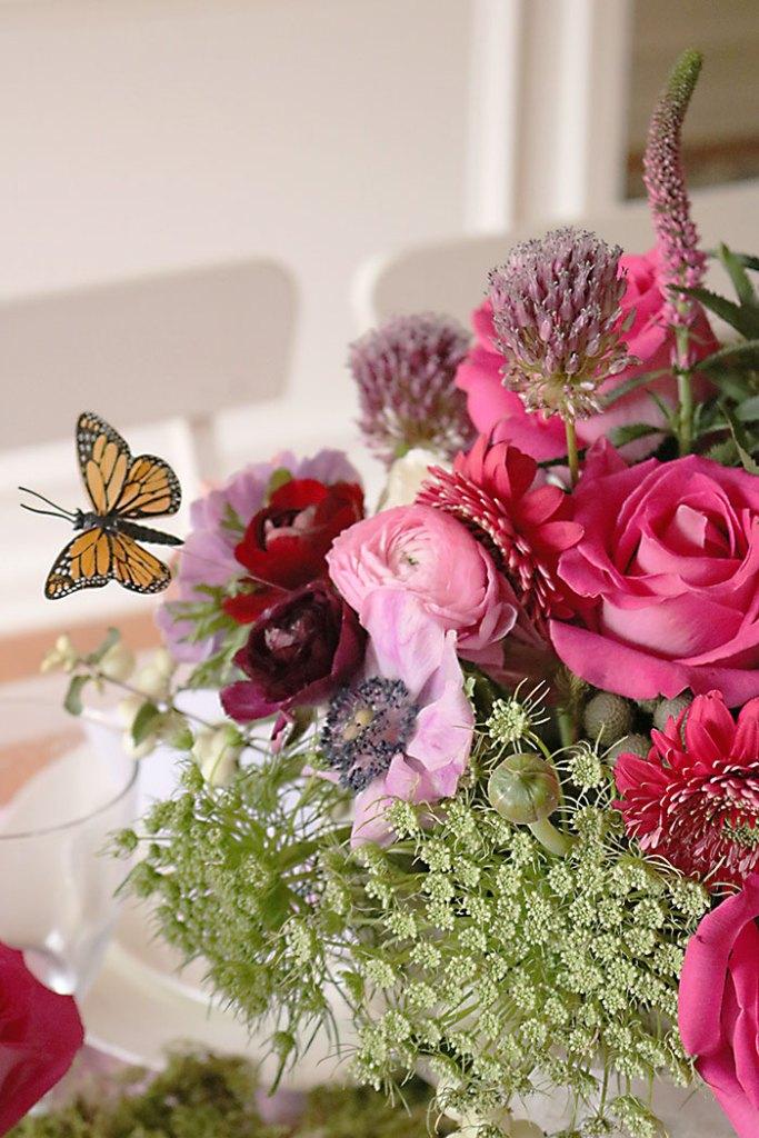 garden-party-flower-arrangement