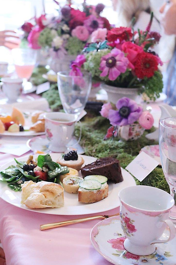 garden-tea-party-with-food
