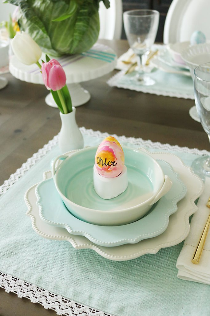 watercolor-easter-eggs-with-name-place, Easter-table-decorations, spring easter table decorations, easter tablescapes, easter table settings, DIY easter, simple easter table, easter centerpieces, ideas, christian, spring, cheap, cute fun easter place settings