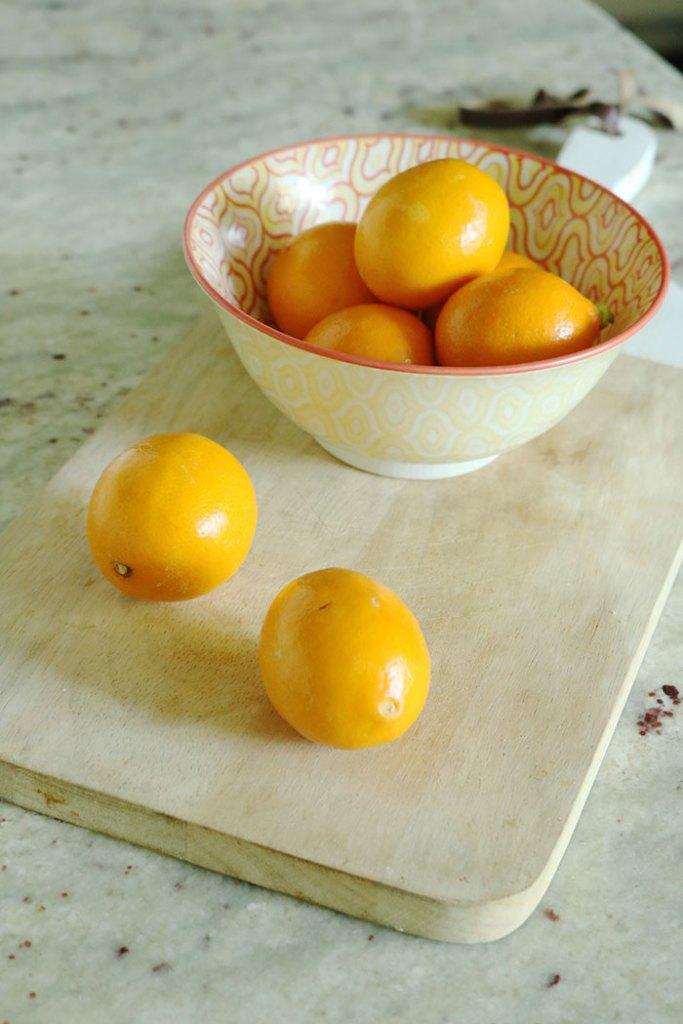 healthy-lemons-in-a-bowl