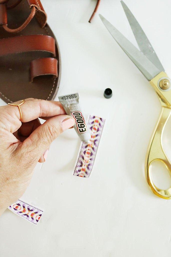 DIY-pom-pom-sandal-glue