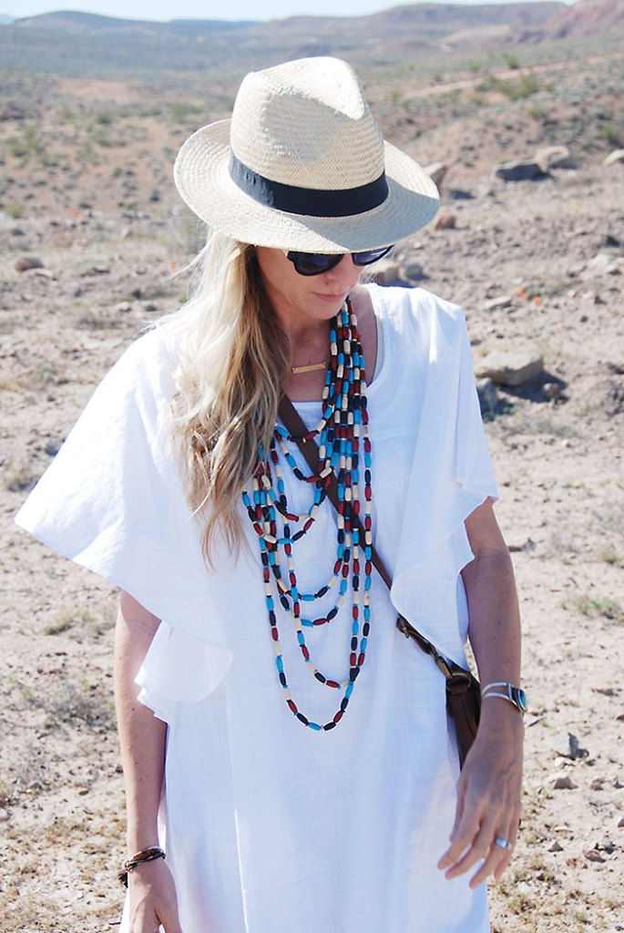 this-way-that-way-close-up-desert-white-dress
