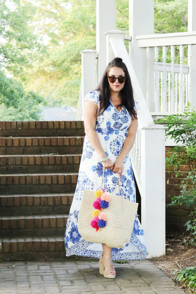 4th-of-July-outfit-with-pom-pom-bag