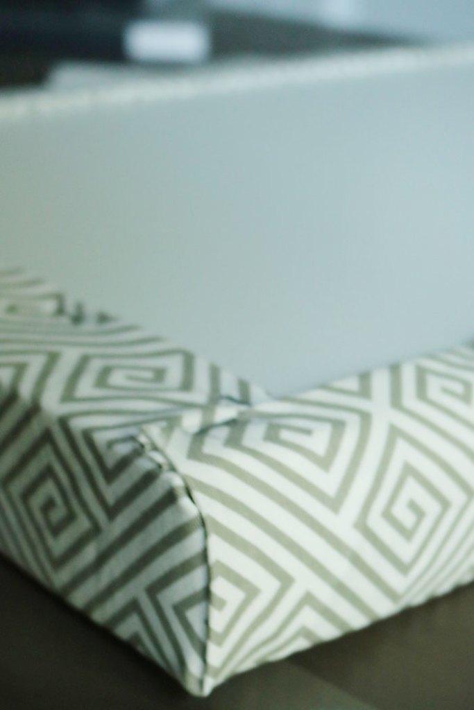 metal-bench-stapling-corners