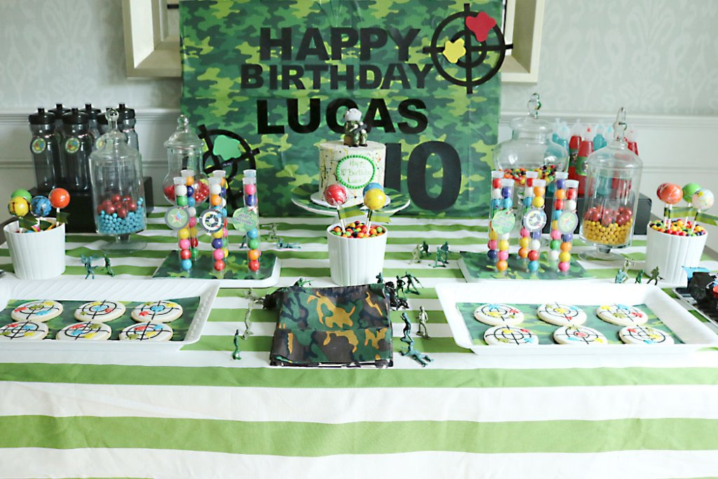 paintball-party-table-cameo-sign, paintball birthday party party table, paintball cake, paintball cookies, paintball party decorations