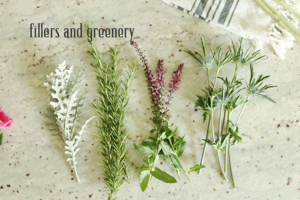 5-minute-flower-arrangment-fillers-and-greenery