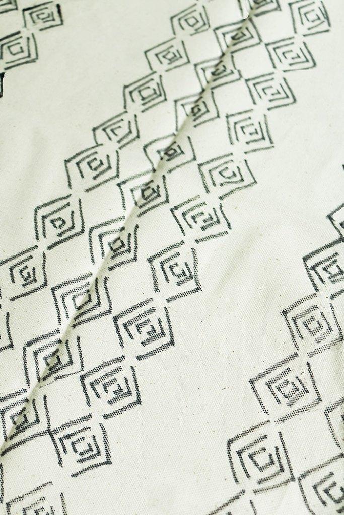 diy-mud-cloth-pillow-stencil-pattern