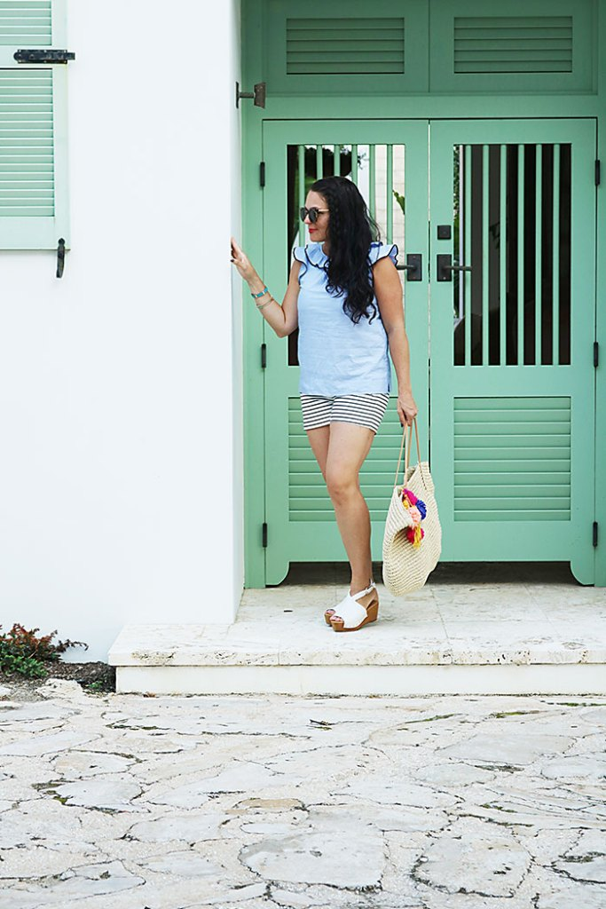 alys-beach-florida-outfit-idea, alys-beach-green-lawn, alys-beach-orange-shutters, alys beach florida, 30A, destin florida, florida panhandle, seaside florida, what to wear, ocean outfit
