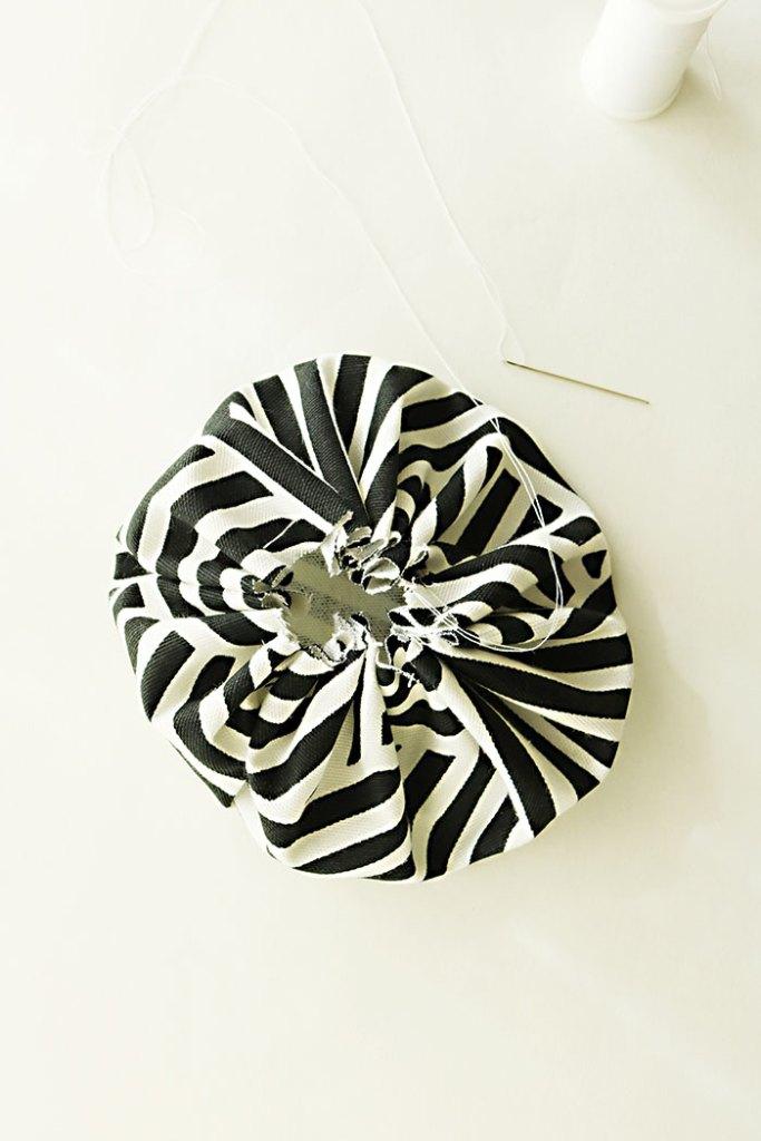 diy-fabric-pumpkin-pulling-strings