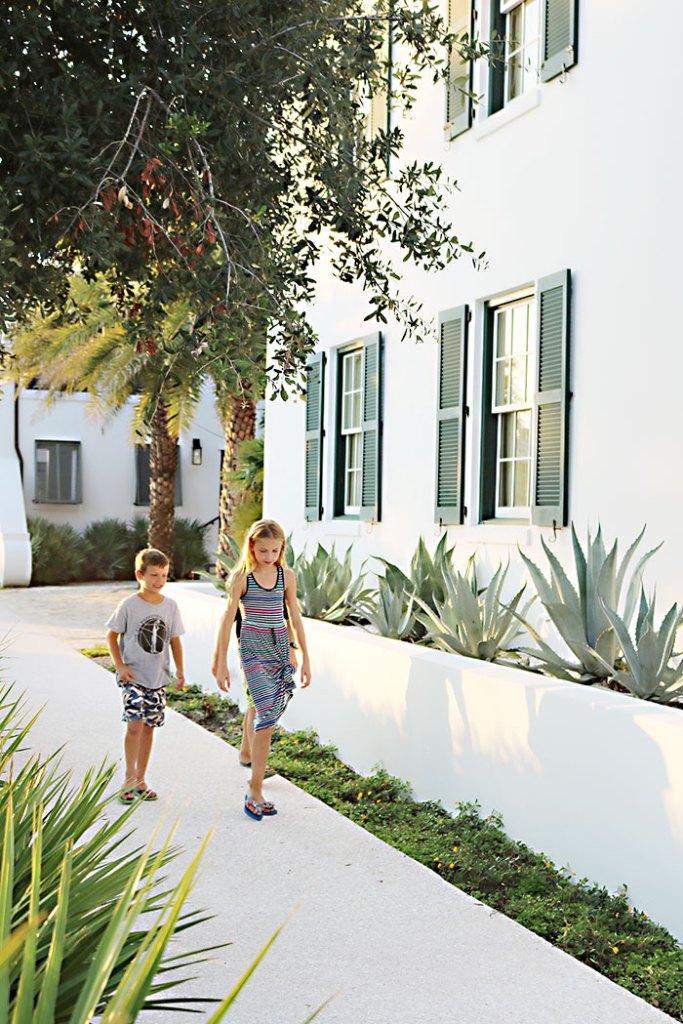 alys-beach-kids-walking