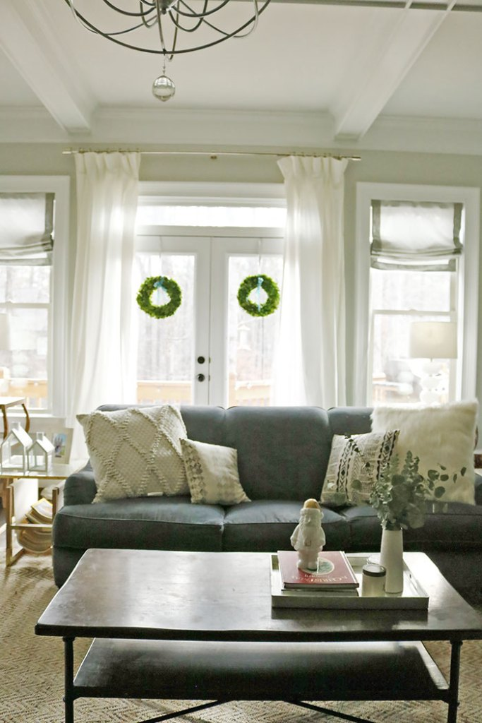 christmas-decorations-wreaths-behind-sofa