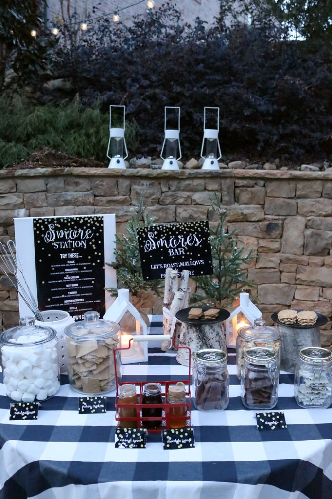 outdoor s'mores bar, free s'mores bar printables, smores station, smores bar, winter outdoor activities, outdoor fire pit, outdoor chocolate