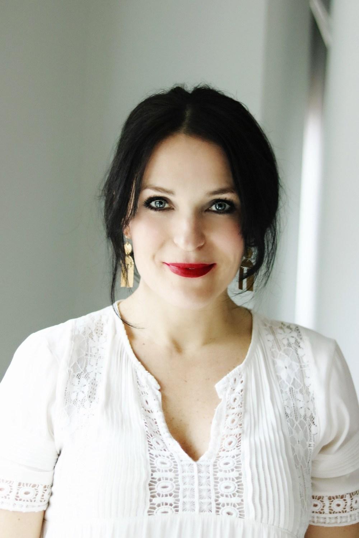 5 Classic Red Lipstick Colors || Darling Darleen #darleenmeier #redlipstick #lipstick #makeup