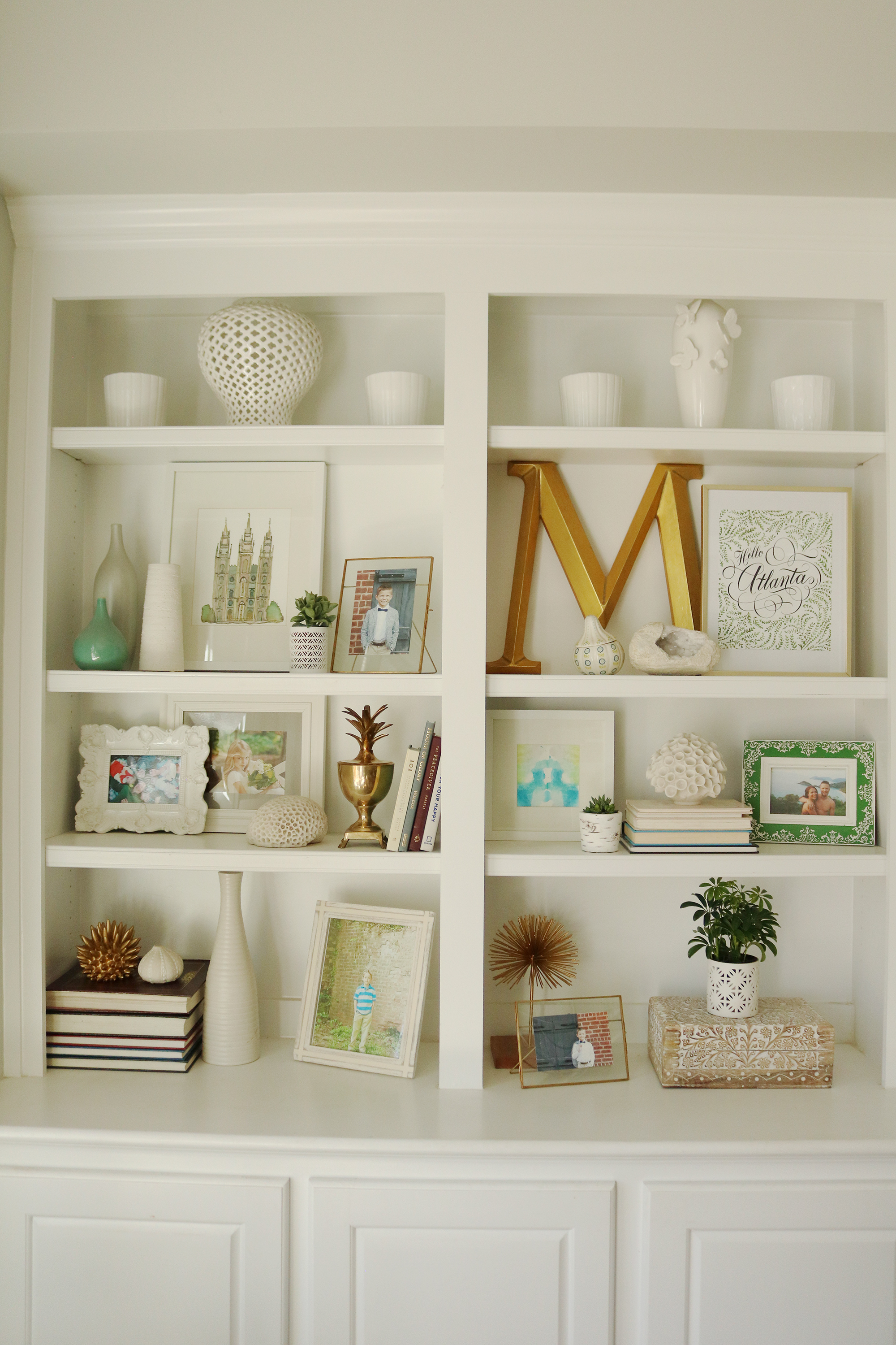4 Tips for Refreshening Your Bookshelf || Darling Darleen #bookshelfstyling #bookshelfshelfie #darlingdarleen