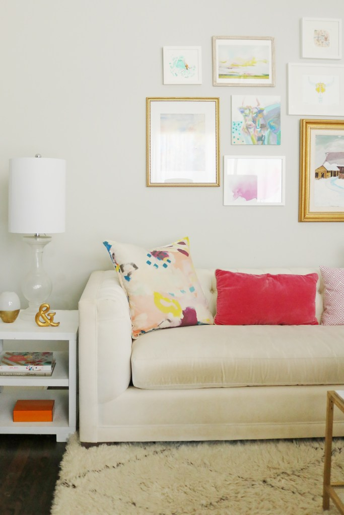 From grid style to eclectic, sharing 8 rules for creating the perfect gallery wall, how to create gallery wall, how to diy a gallery wall, gallery wall ideas, how to hang gallery wall, ideas for gallery wall, how to design a gallery wall || Darling Darleen #gallerywall #gallerywallideas #darlingdarleen