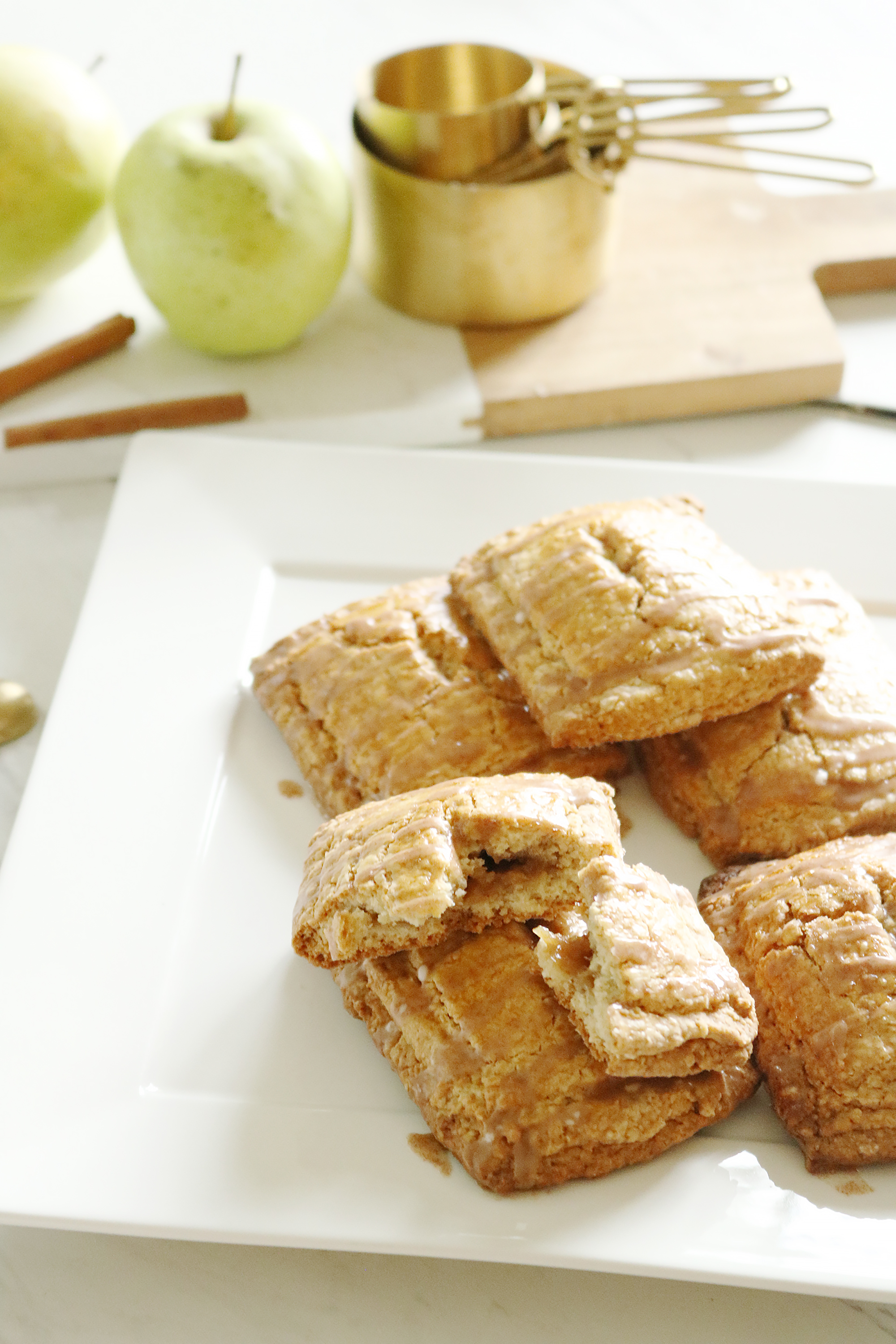 Homemade Gluten-free Apple Pop Tart that your Kids will love || Darling Darleen
