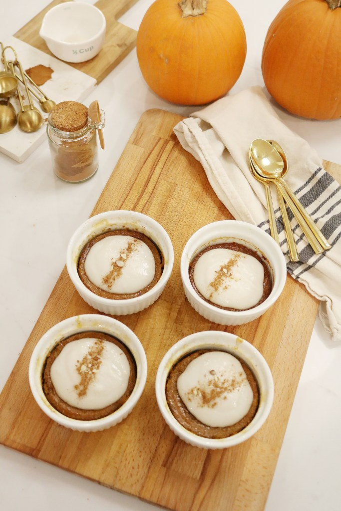Paleo Gingered Pumpkin Pudding--a healthy Fall dessert || Darling Darleen
